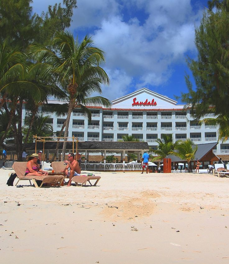 The Barbados all-inclusive experience typically includes a stay at a 3* or greater resort, meals and drinks, activities and facilities for children, and watersports.