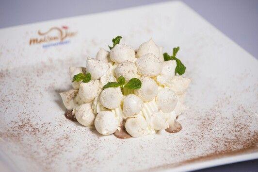 Vacherin glacé menthe et chocolat - Vacherin ice cream mint and chocolate by #MaisonViehanoi Restaurant ♡♥♡♥