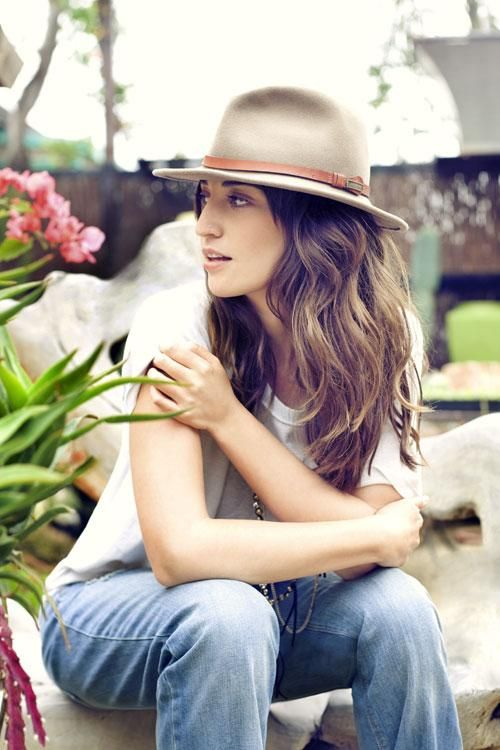 Sara Bareilles is one of my top 4 favorite female artists. Witty, blunt, phenomenal voice, amazing pianist and songwriter, Sara has inspired me to continue aiming to learn the piano. One day, I dream of performing like her.