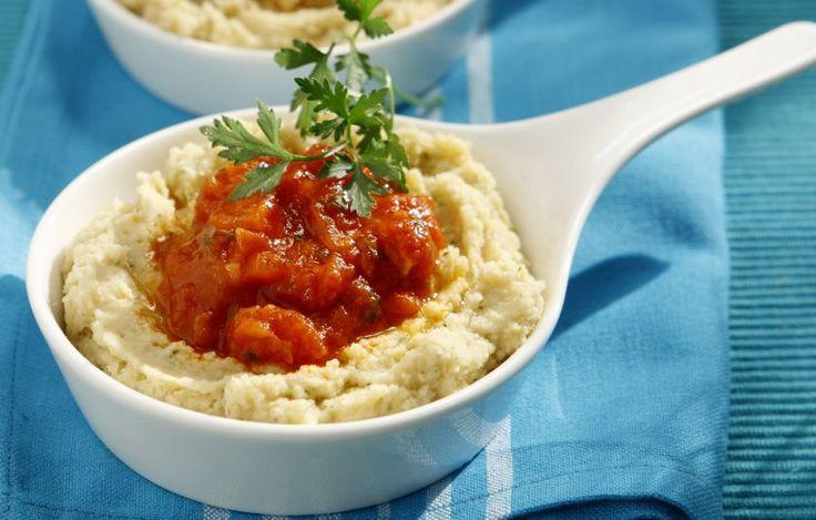 Γίγαντες σε φάβα με σάλτσα ντομάτας - Συνταγές - Πιάτα ημέρας | γαστρονόμος