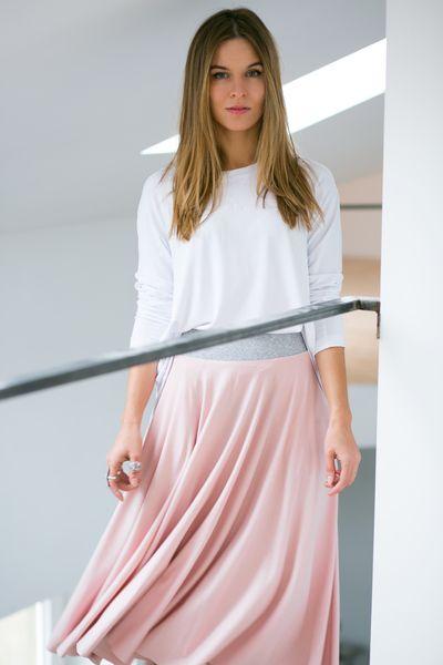 PRIMA BALLERINA powder pink SPÓDNICA Z KOŁA #riskmadeinwarsaw #fashion #lookbook #outfit #style #pastel #powderpink #daneskirt #midiskirt #spódnica #luźna #bluzka