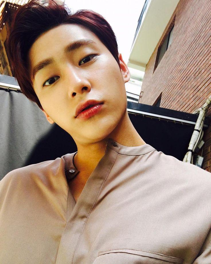 """27.6 mil curtidas, 842 comentários - 김성주 (@songjoo2016) no Instagram: """"날씨가 너무 좋네요 ~^^"""""""