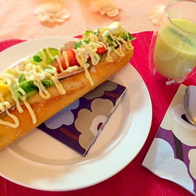 レシピとお料理がひらめくSnapDish - 10件のもぐもぐ - Asparagus soup& baguette sandwich with boursin cheese アスパラガスのスープとブルザンチーズのせバゲットサンドイッチ by chocolatte