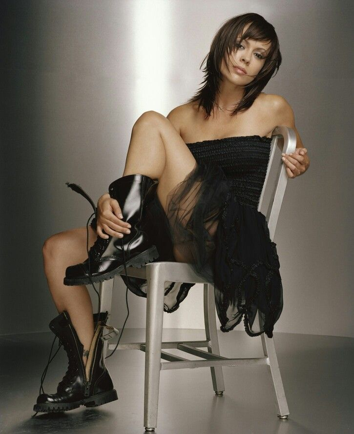 alyssa-milano-wearing-pantyhose-mature-nayber-sex-with-young-nayber