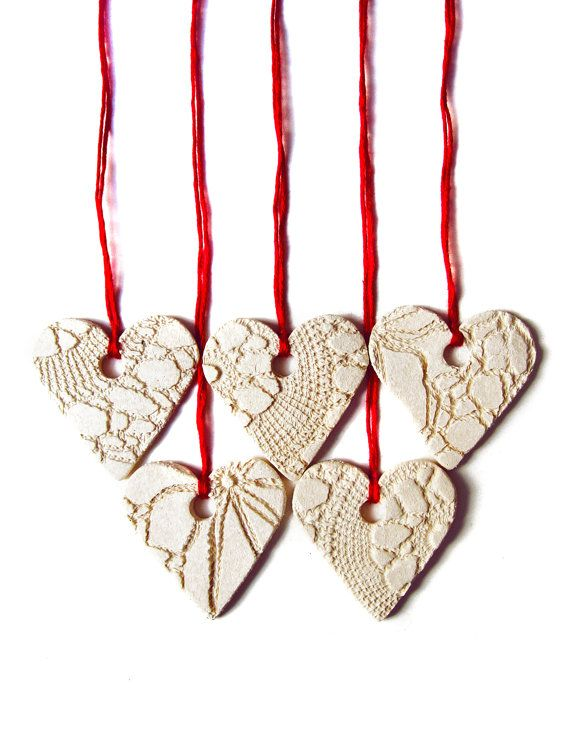 5 Christmas decorations Holiday tree Ornaments Cream Red Ceramic hearts with lace texture Festive hanging decoration set
