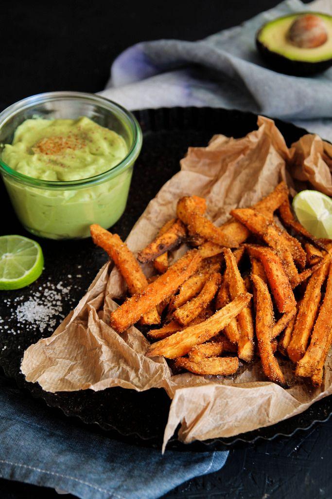 Frites de patates douces & sauce avocat - Vegan & sans gluten