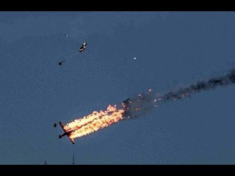 Pesawat Hercules Jatuh - Video Amatir Detik Detik Pesawat Hercules Jatuh Di Medan