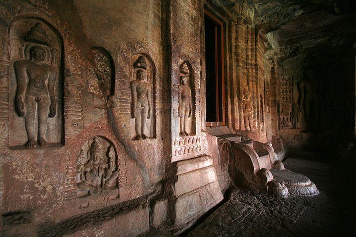 Badami / Пещеры в Бадами | Traveliving
