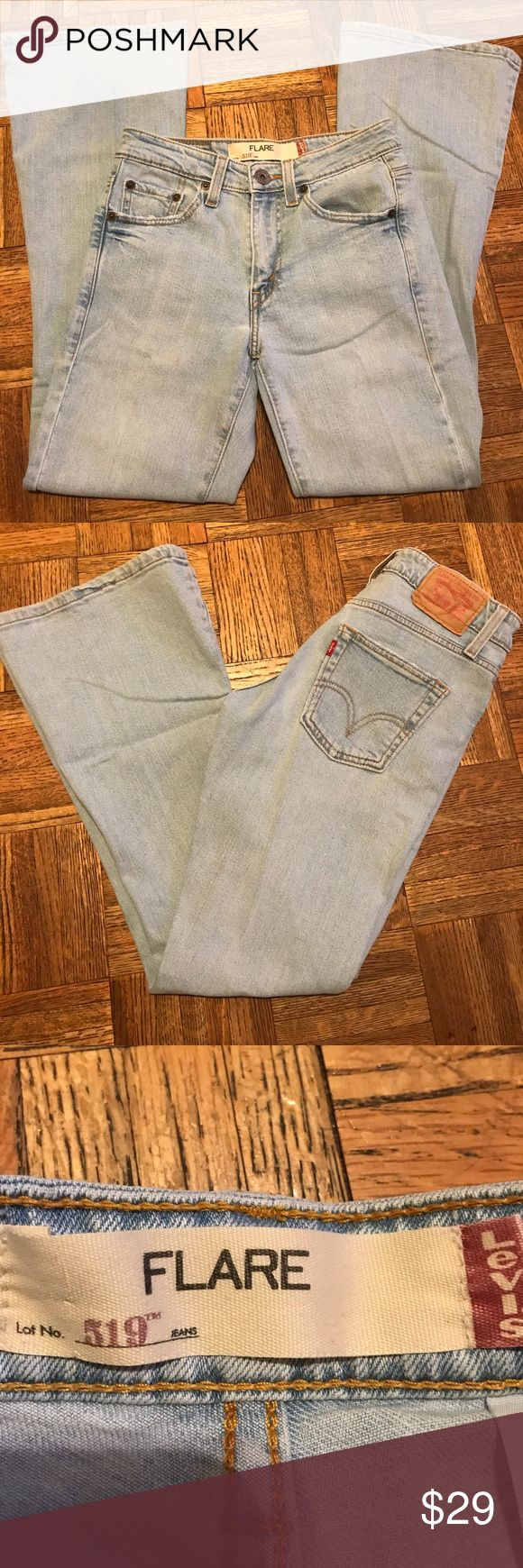 Levi's 519 Flare Light Washed Jeans Size 1S JR This is a really nice pair of jeans. They are Flare and light washed. Size 1S JR Levi's Jeans Flare & Wide Leg