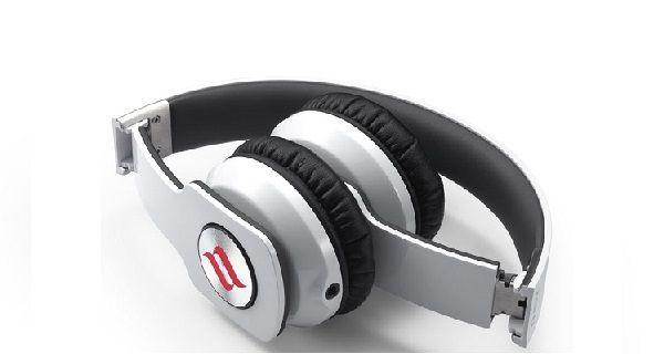 #Cuffie Noontec ZORO Stile e musica!  Scopri l'#offerta per ascoltare la tua #musica preferita nelle belle giornate d'estate --> bit.ly/NoontecC #mobile