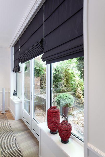 Per raam op maat gemaakt een vouwgordijn? Maak vrijblijvend een afspraak voor gratis advies!