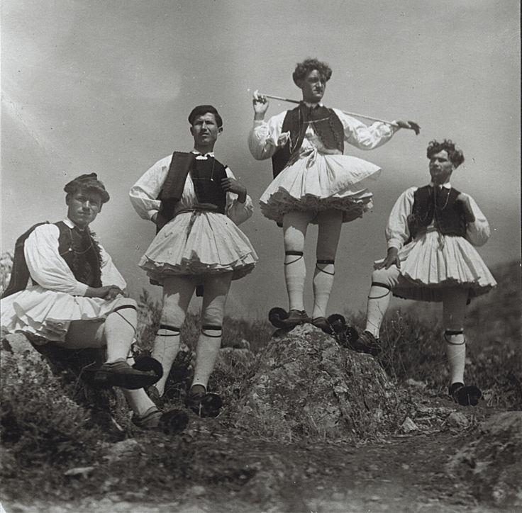 Νεαροί φουστανελοφόροι, δεκαετία 1930