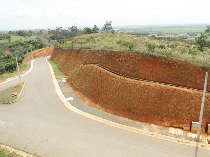 ¡Una oportunidad única de construir un hogar rodeado de un verde muy natural! http://www.jminmobiliaria.com.co/lomas/