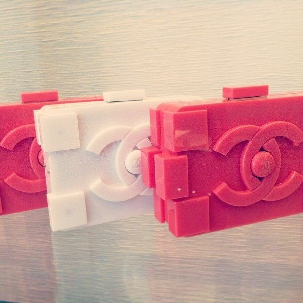 Chanel Lego Clutch | What can't you make from LEGO ...