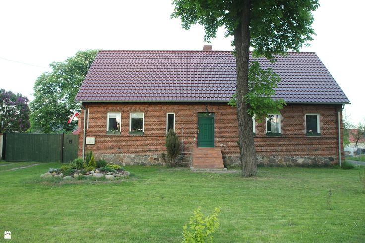 Nasz dom. - zdjęcie od Agnieszka Kijowska - Domy - Styl Tradycyjny - Agnieszka Kijowska, brick house, brick house, diy, green doors