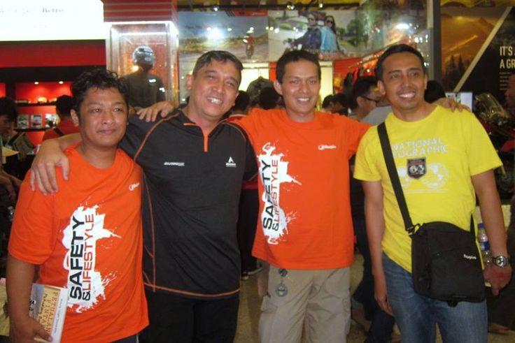 With bro Yukie founder of Jelajah Negri and bro Mario Iroth founder of Wheel Story......