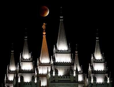 Resultado de imagen para lds temples moon