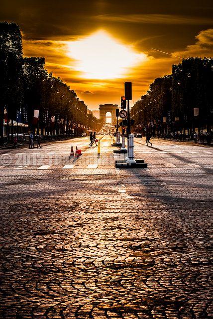 Avenue des Champs-Elysées, Paris VIII