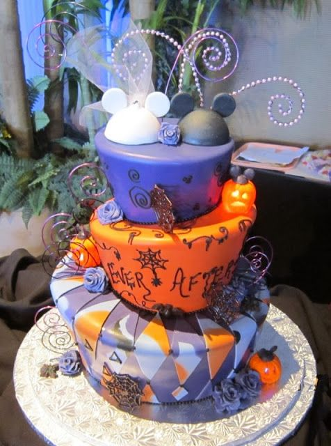 Hempstead house halloween wedding cakes