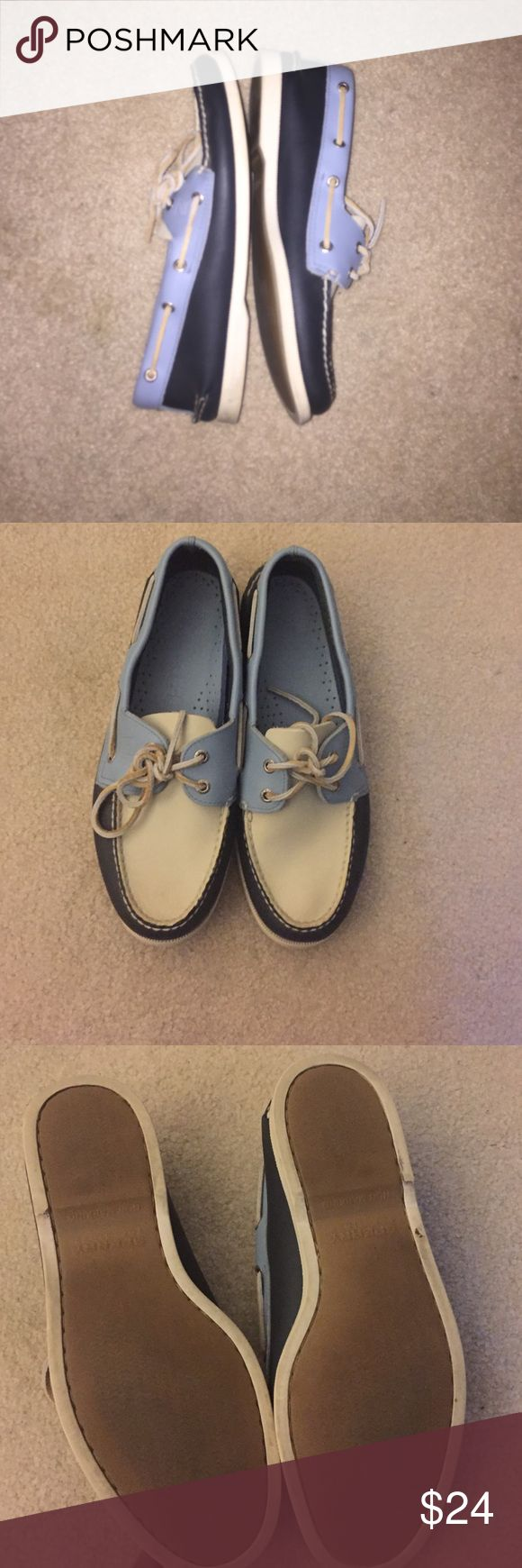 SPERRY men's boat shoes size 10 Gently worn multi color SPERRY boat shoes for men. Shoes are navy, light blue and cream. Soles look just like new & there are no stains, tears or fading. Sperry Shoes