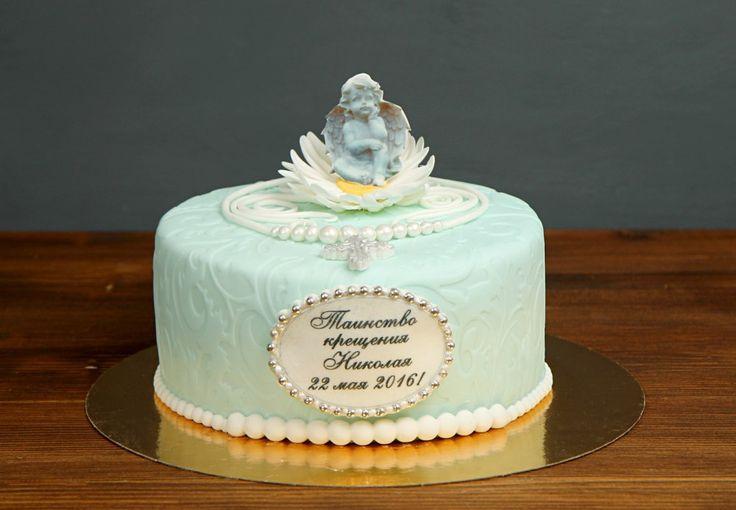 """Детский торт """"Крестины""""  #Крестины - то знаменательный момент, когда ребенок обретает Бога. Торты в этом случае – дело вашей выдумки. Вы можете использовать проверенные временем образы: крошечные пинетки, отпечаток ручки малыша, колыбельку или имя ребенка при крещении.  С удовольствием изготовим торт для вашего праздника от 2-х кг и всего за 2150₽/кг😊  Специалисты #Абелло готовы помочь с выбором красивого и качественного десерта по любому поводу по единому номеру: +7(495)565-3838…"""