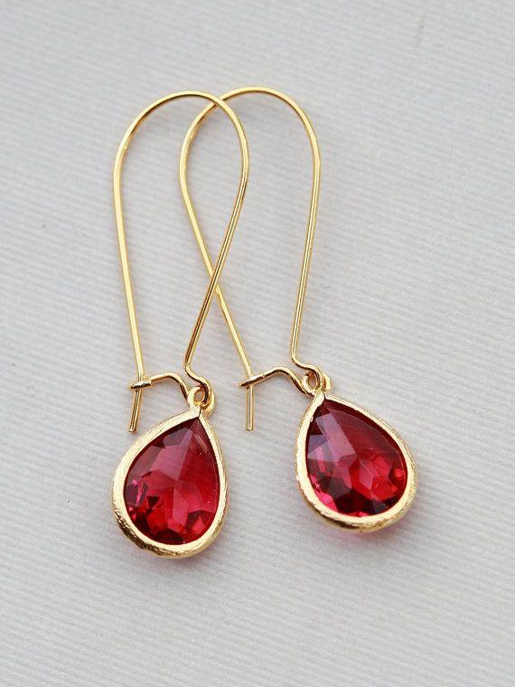 Ruby+rood+glas+stenen+Drops.+Gouden+oorbellen+oorbellen