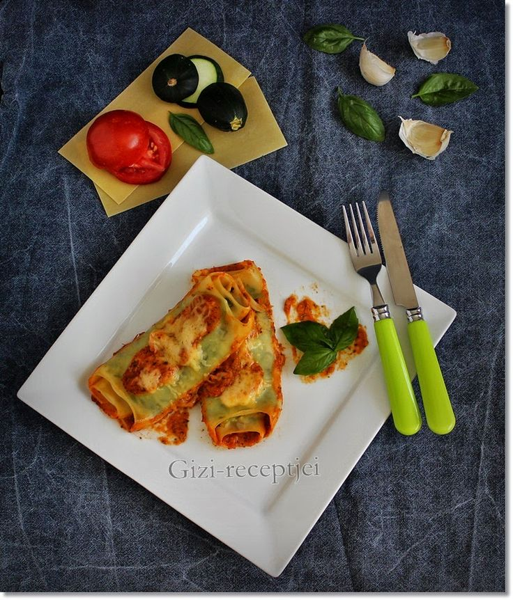 Cukkinis-sajtos lasagne tekercs