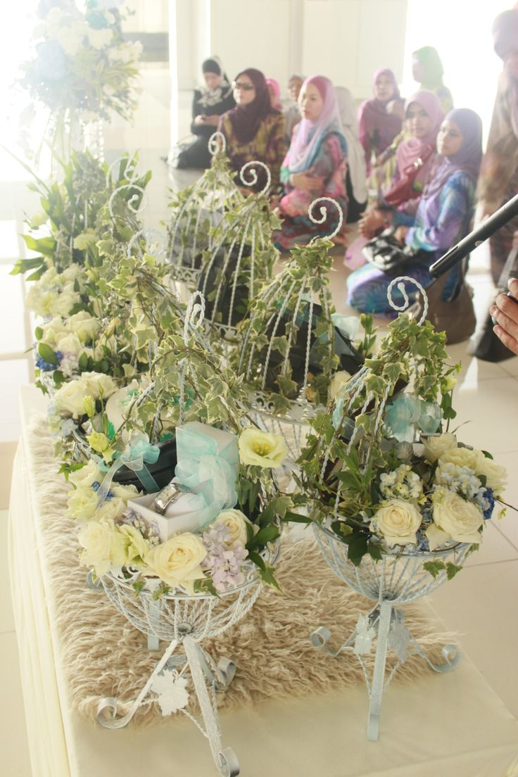"Beautifully decorated ""hantaran"" (gift) as a symbol of harmony."