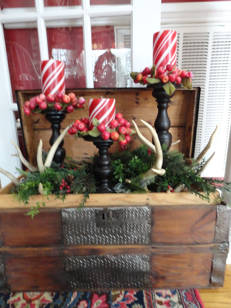 267 best christmas ideas images on pinterest christmas for Antler decoration ideas