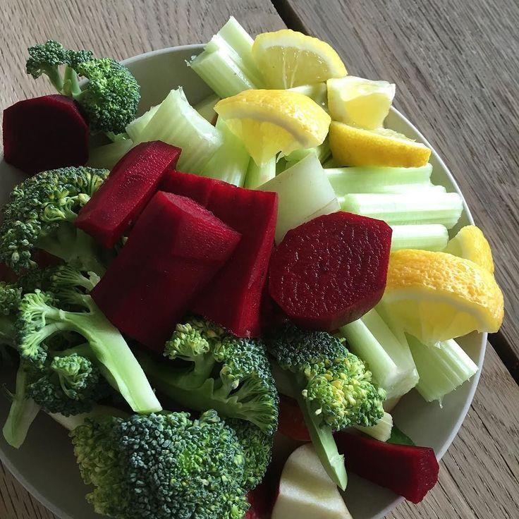 #sund #sundmad #sundfamilie #healthy #healthyfood #mitsundemadibilleder #food #weigthloss #diet #familie #vægttab #børn #kids #fitness #fitfam #fit #velvære #elskdigselv #love #loveme #sundhed #vegan #vegetar #veganforfit #veganfood #juice #juicekur #frugt #denfedejuicekur by a.healthy.heart