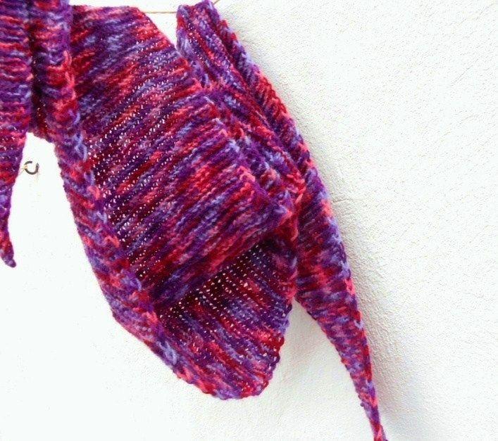 Pletený+šátek+barevný+krásný+módní+doplněk+ručně+pletený+šátek+z+jemné+akrylové+příze+teploučký+a+zaručeně+nekousavý+s+delšímy+cí…