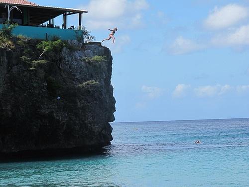 Geweest! En van de klif gesprongen. (Playa Forti, Curacao)