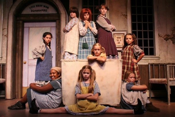 Orphan costumes for Annie...looks - 51.7KB