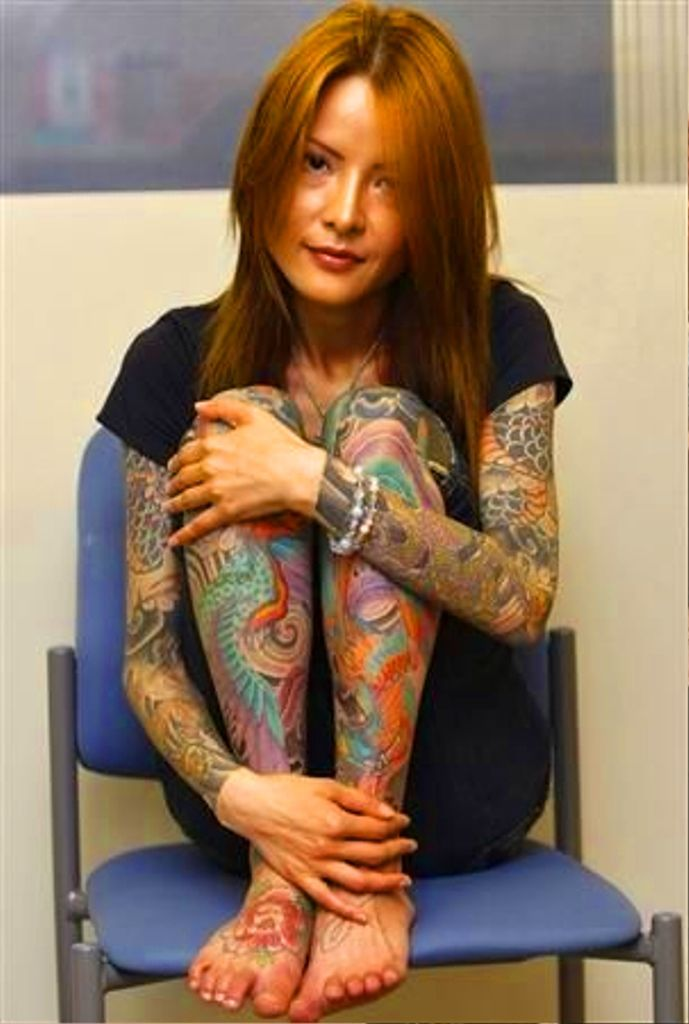 Шалости татуированной девочки