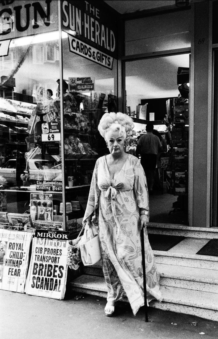 Auntie Mame, Kings Cross, 1970-71, Sydney, Australia, by Rennie Ellis.