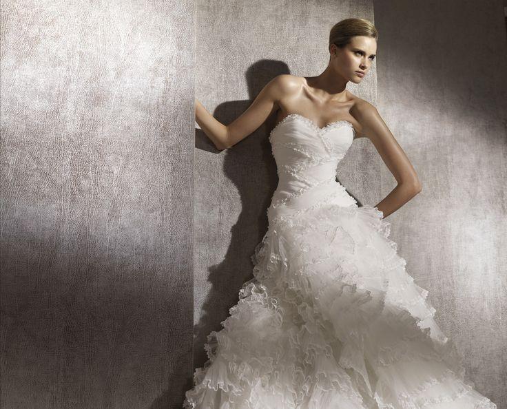 Pampa - Pronovias - Esküvői ruhák - Ananász Szalon - esküvői, menyasszonyi és alkalmi ruhaszalon Budapesten