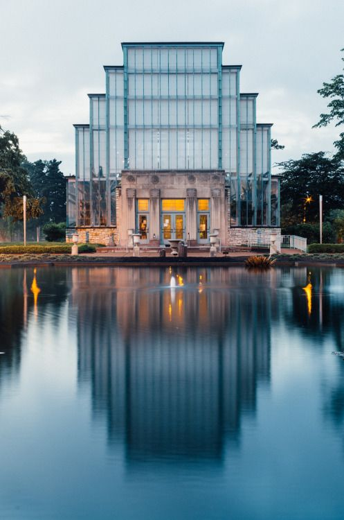 zhuchenxu: The Jewel Box. Forest Park, St. Louis. Art Deco architecture at its finest.