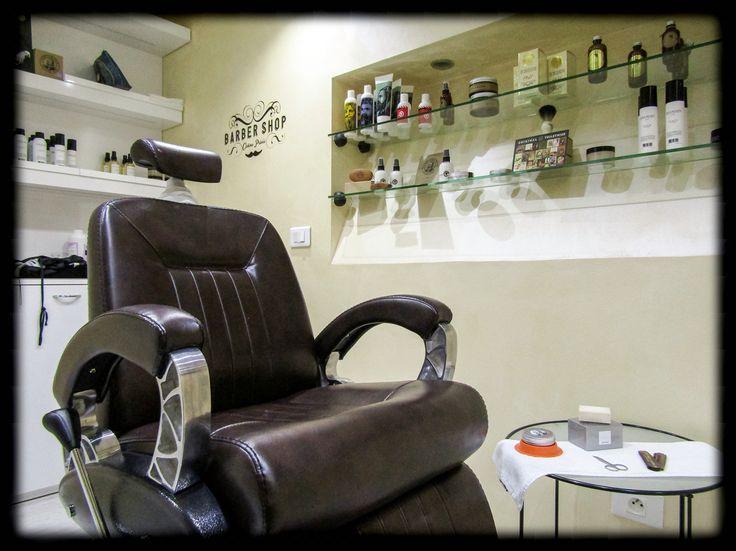 Barber Shop with professional #barber Virginie at #ericzemmourmonacoII 💈🇮🇩💈 #cabineprivee #barbershop #ericzemmour #monaco #montecarlo #monmonaco #hairdresser #hair #montecarlolux #man #men #shave #bear #hair #tbt #barbershopconnect #barberlife #barbergang #barberlove #menhealth #menstyle #tbt #followme