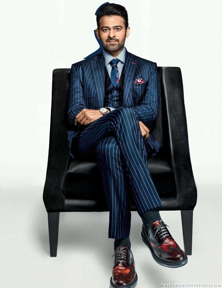 Male Fashion Trends: Prabhas posa en elegantes looks para el número de enero de GQ India