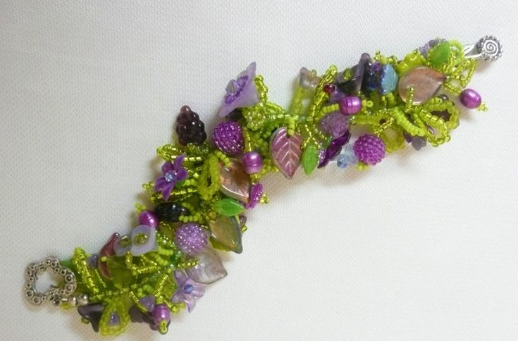Loopy Bracelet - Jewelry creation by Madalynne Homme