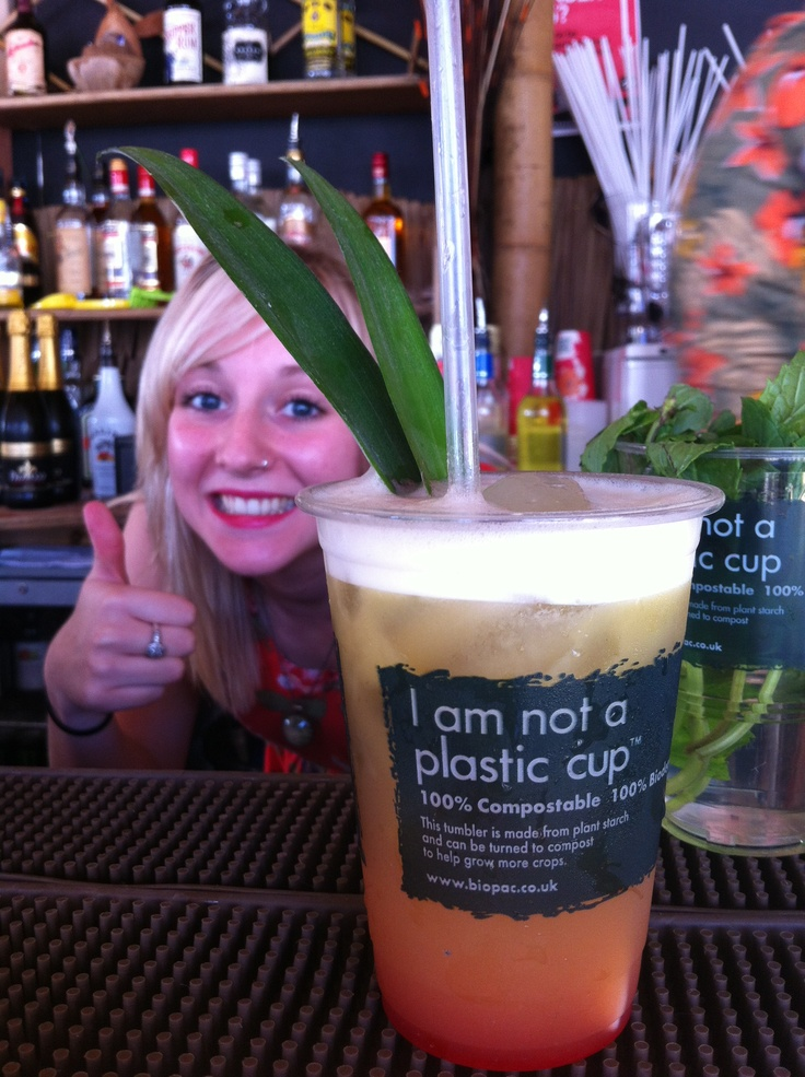 Member of staff at the Kahuna Beach Bar in Nottingham gives Biopac's eco friendly 'I am not a plastic cup' PLA tumblers the thumbs up.