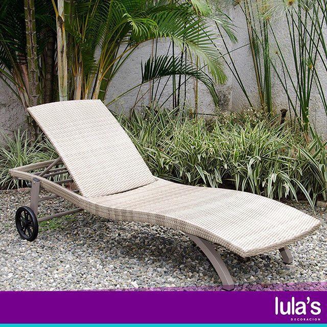 Perfecta para una tarde de sol al lado de una deliciosa piscina o simplemente para recostarnos a descansar o a leer un buen libro, es esta silla asoleadora que puedes encontrar en #LulasDecoración Transversal 6 # 45 – 79, Patio Bonito, Medellín