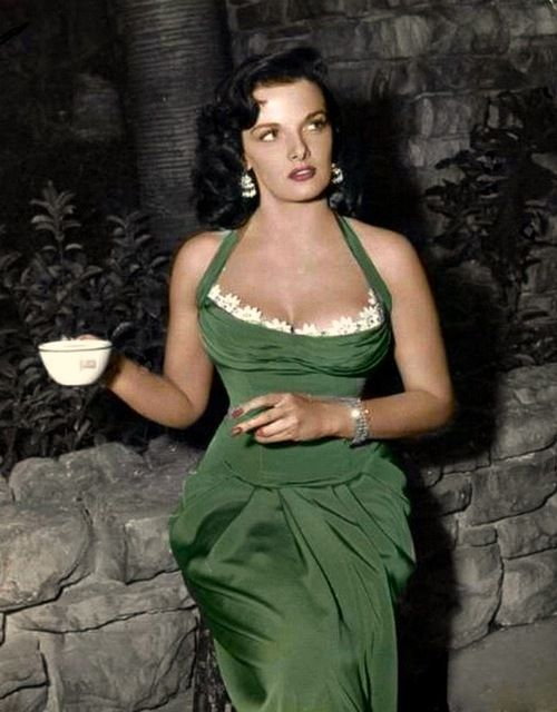Jane on the set of HIS KIND OF WOMAN (1951)…