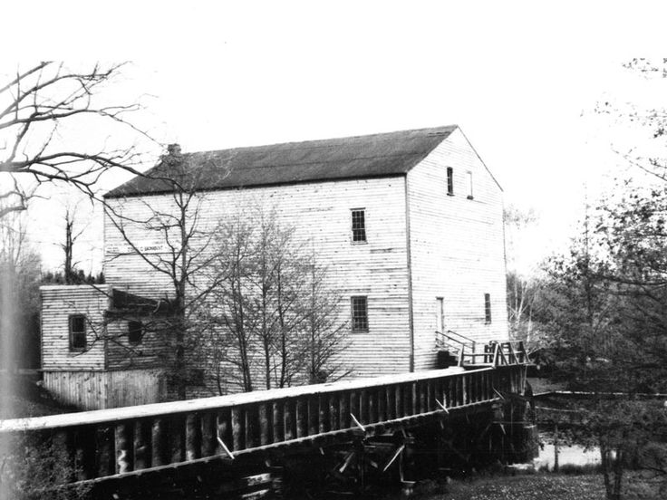 John Backhouse built this sawmill in 1798, later converted to a gristmill. Today it's part of the Backus Heritage Conservation Area, Port Rowan. http://www.escapetodover.com/photo-gallery-then-page-3.htm