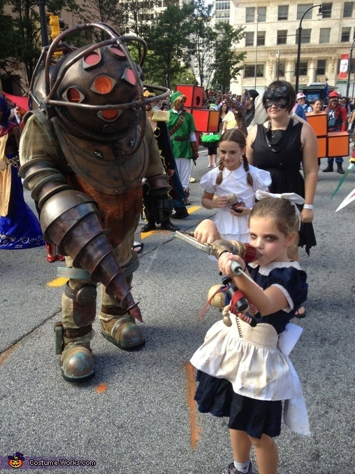 Bioshock Big Daddy and Little Sisters - 2012 Halloween Costume Contest