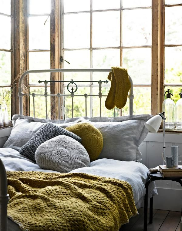 Love, love, love the colours and textures in this bedroom by Holly Bruce. Desire to inspire - desiretoinspire.net.