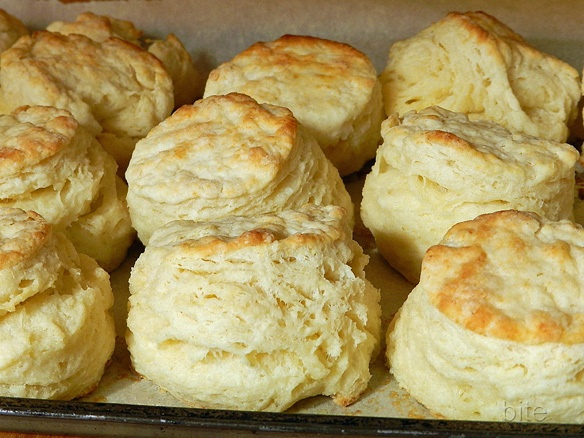 flaky buttermilk biscuits-made without honey- best biscuit recipe so ...