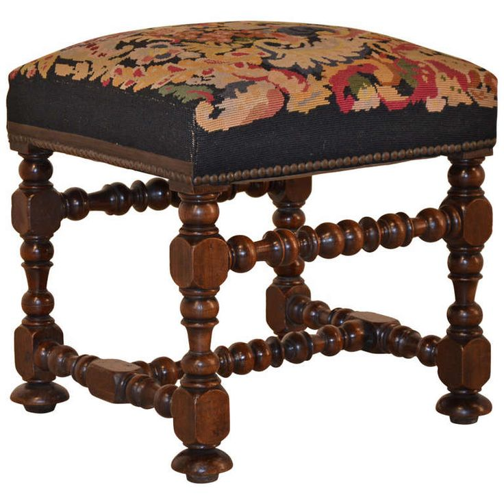 High Quality 18th Century English Needlepoint Stool Good Looking