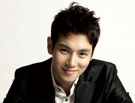 Hwanhee to star in upcoming K-Pop film, 'Star: Radiant Love'