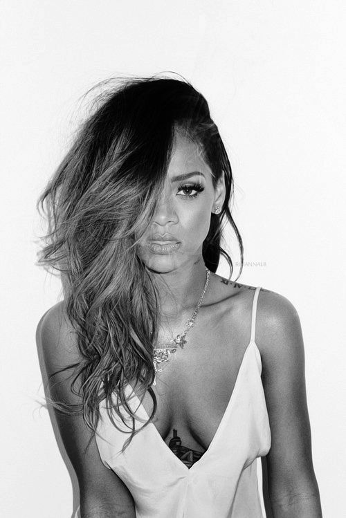 Here Are The Outtakes From Rihanna's Rolling Stone Photo Shoot